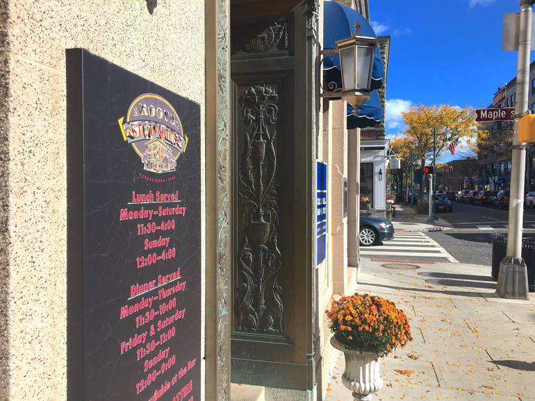 Roots Steakhouse in Summit Set to Reopen