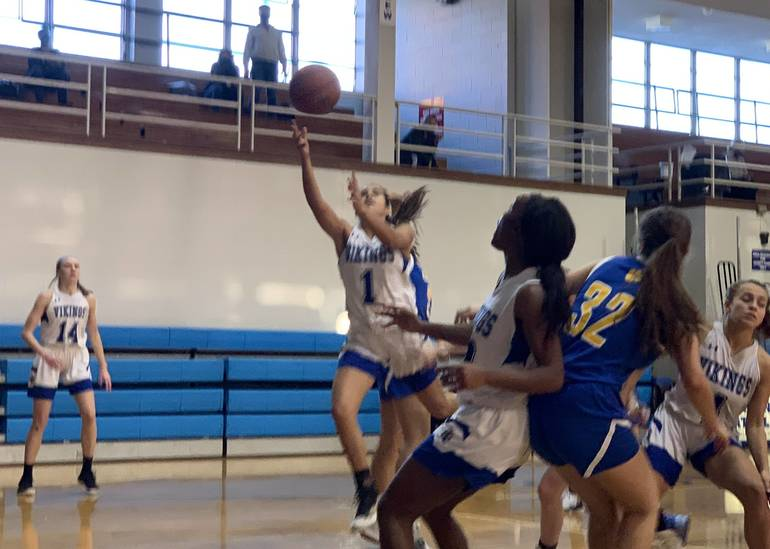 Girls Basketball: Union Catholic, Behind Johnson And Peralta, Uses Big Run on Way to Victory Over Cranford