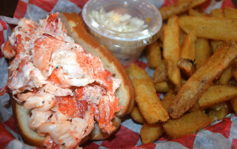 Legendary lobster rolls at the Fanwood Grille