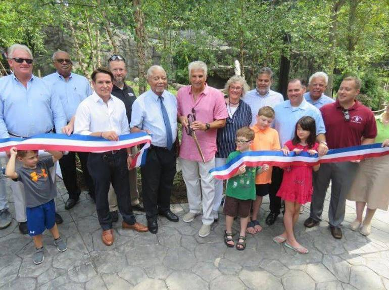 Essex County Executive DiVincenzo Re-Opens Turtle Back Zoo Leopard Exhibit