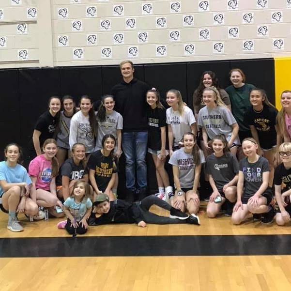 Mike Gesicki with SRMS Girls Basketball Team