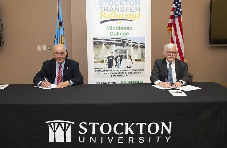 Middlesex College and Stockton University sign transfer agreement