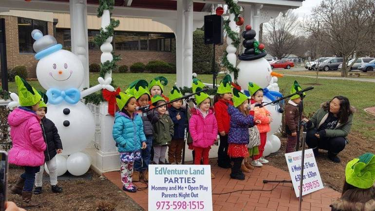 Morris County EduCare children's choir singing at the 2018 Home for the Holidays