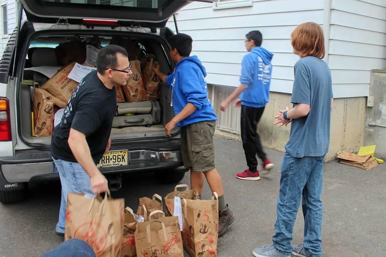 NFSB Nutley Family Service Bureau Food Drive 051.jpg
