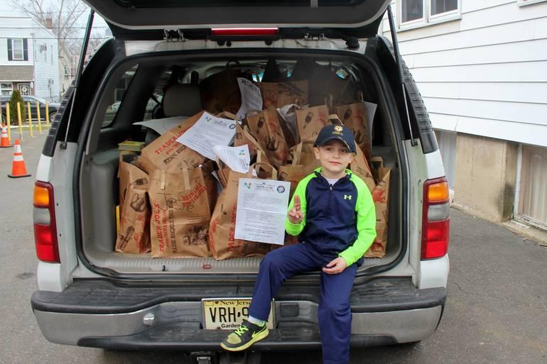 NFSB Nutley Family Service Bureau Food Drive 047.jpg