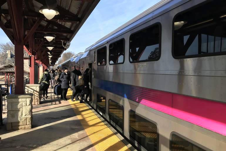 NJ Transit train in Westfield.png