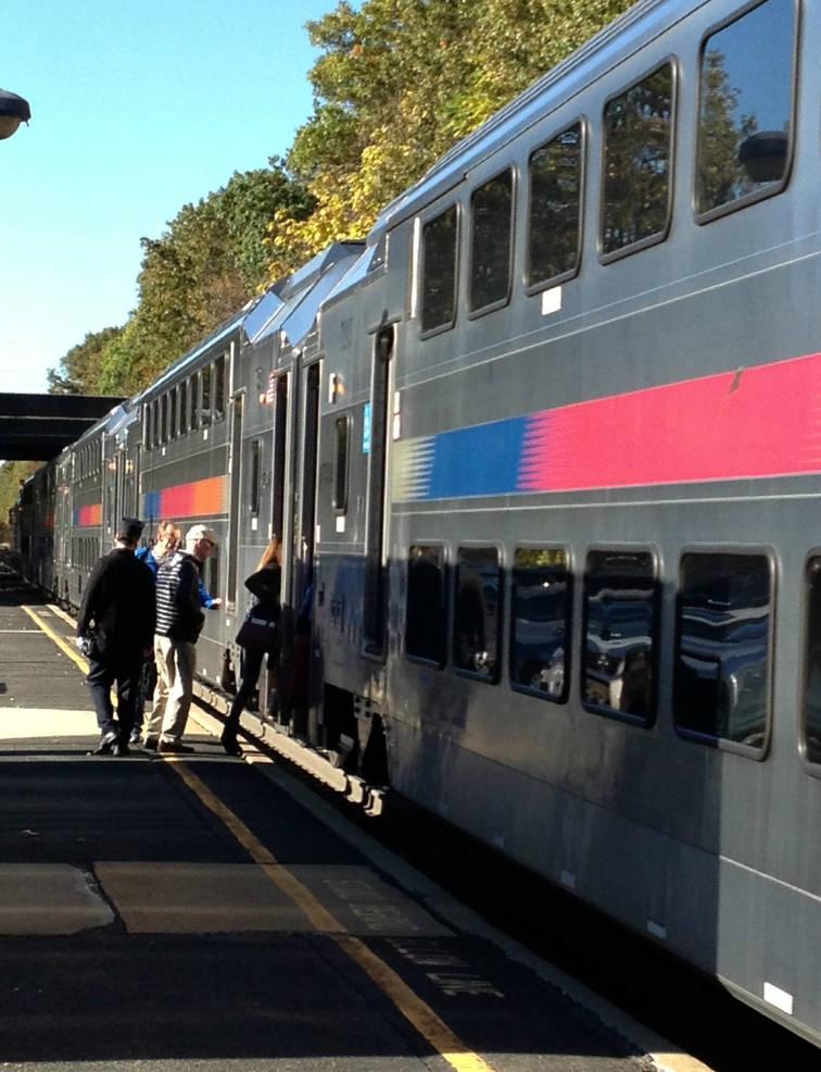NJ Transit train pulls into Fanwood.