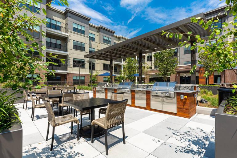 One500 Landscaped Terrace BBQ Grills.jpg