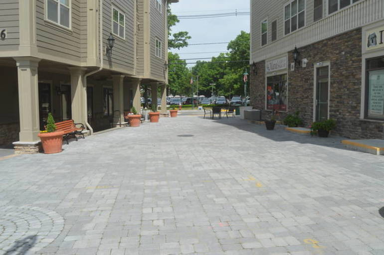 Pedestrian plaza.JPG