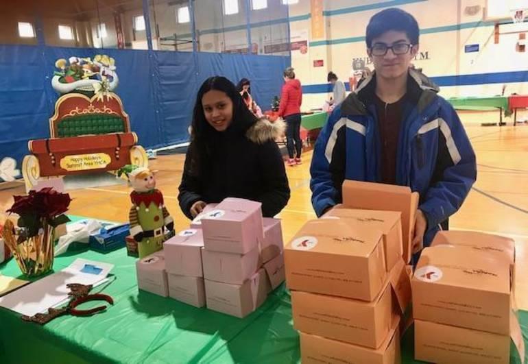 Photo - volunteer helpers.jpg