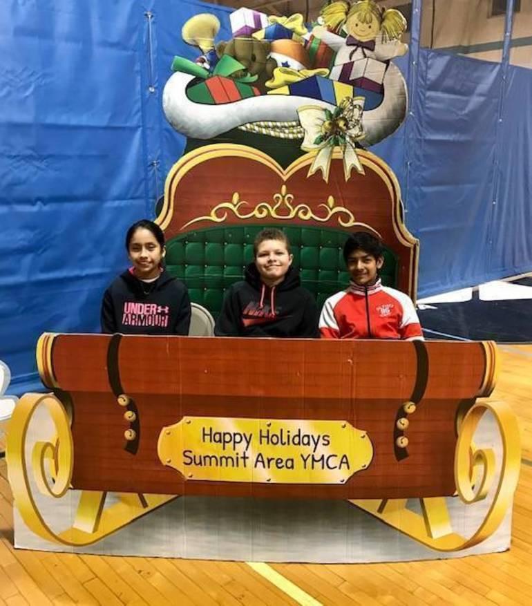 Photo - volunteers in sleigh.jpg