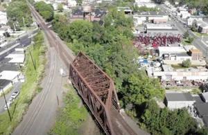 Unused railroad trail