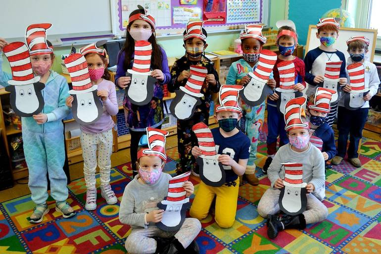 Best crop 89fb085d73cc2bb4232d 128e4f9784dedf4544f1 read across america day at holy trinity  6