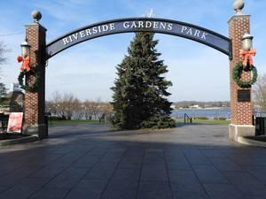 Carousel image 552f4f94ac1a8ab2567f e118337b2a6e9779be2d riverside gardens christmas