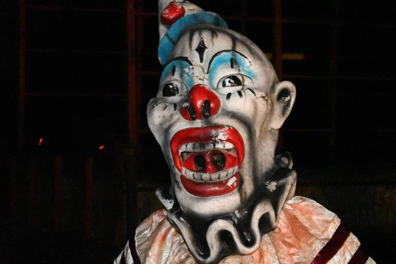 vintage look clown mask.JPG