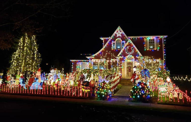 Fanwood's Famous Christmas House Lights Up to Support NJ Institute for Disabilities
