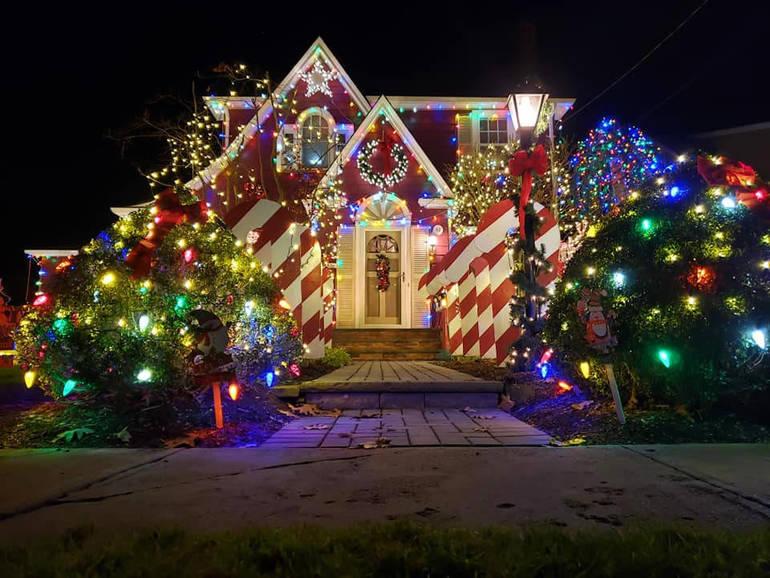 "Fanwood's Famous ""Christmas House"""