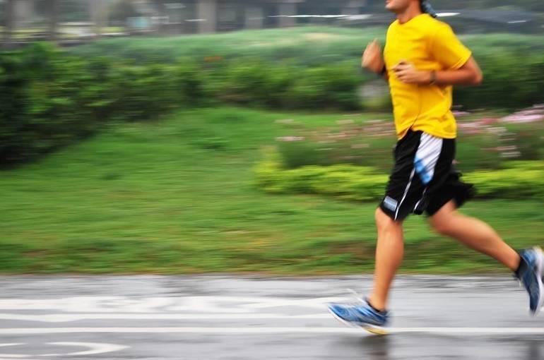 NJ Orthodontist to Run Philadelphia Marathon to Raise Funds for Local Public Library
