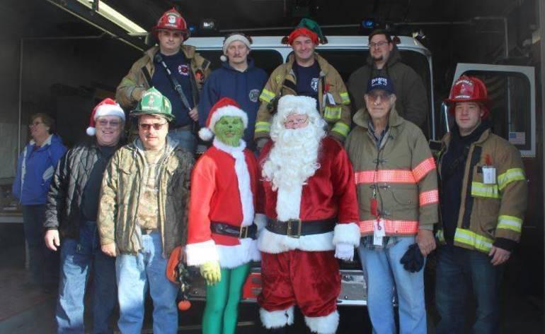 Santa Fire Truck 2017 d.JPG