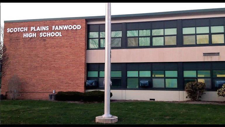 Scotch Plains-Fanwood High School exterior.png