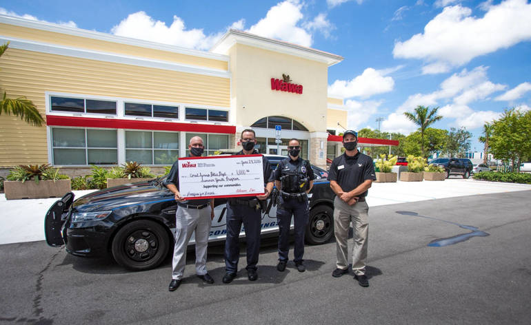 Wawa Opens in Coral Springs; Donates to Local Police and Youth Programs