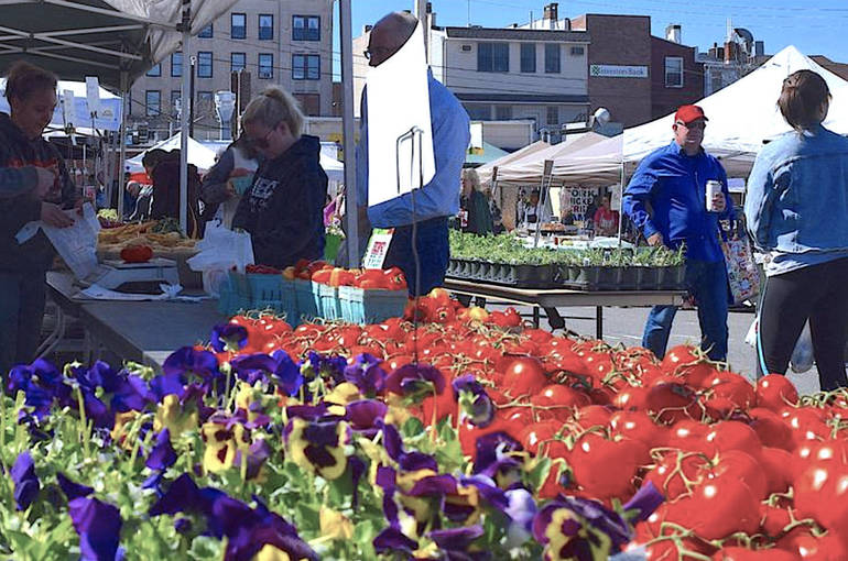 Vendor Applications Now Accepted for 2021 Summit Farmers Market