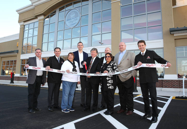 Shop-Rite ribbon cutting.jpg