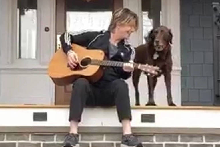 Goo Goo Dolls' Rzeznik Partnering with Westfield in Holiday Fight Against Food Insecurity