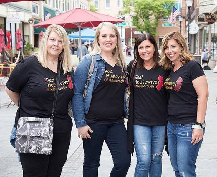 sompixgno2019advancehillsboroughwives.jpg