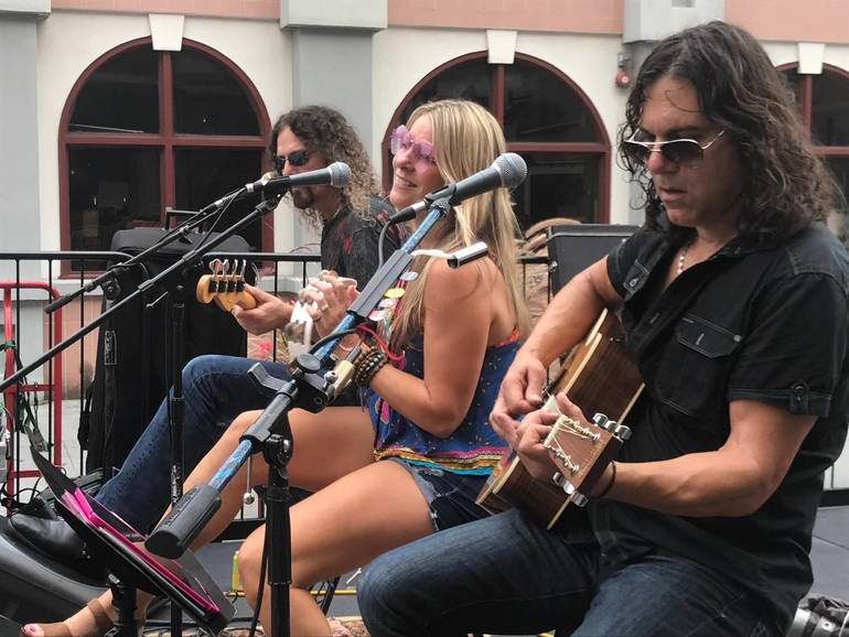 Artists, Crafters, Musicians Express Themselves on Division Street