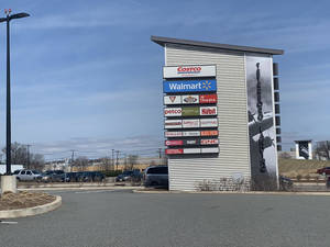 Carousel image 0e7a17bd2e57531f8e46 9e19a3413ea51c35f4b7 a1f693630b01a10a2f9b teterboro landing pillar