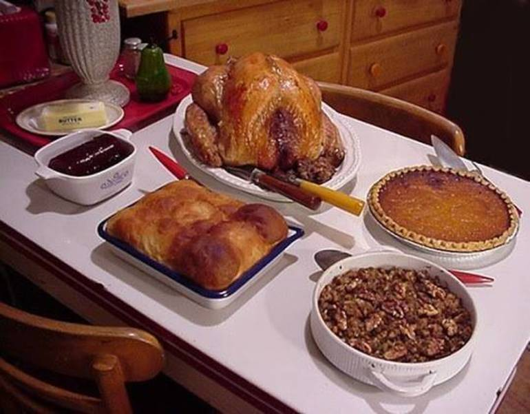 Table of Hope Offers Thanksgiving Meal to Those in Need