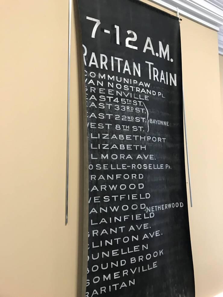TrainStopList.jpg
