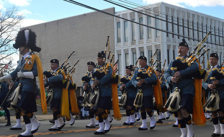 UP pipe band2.png