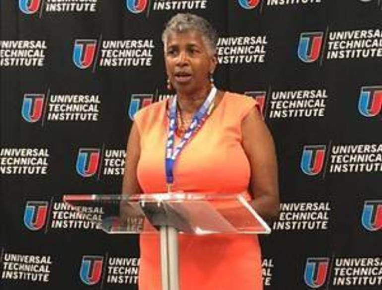 Local Dignitaries Attend UTI Bloomfield Campus Ribbon Cutting Ceremony