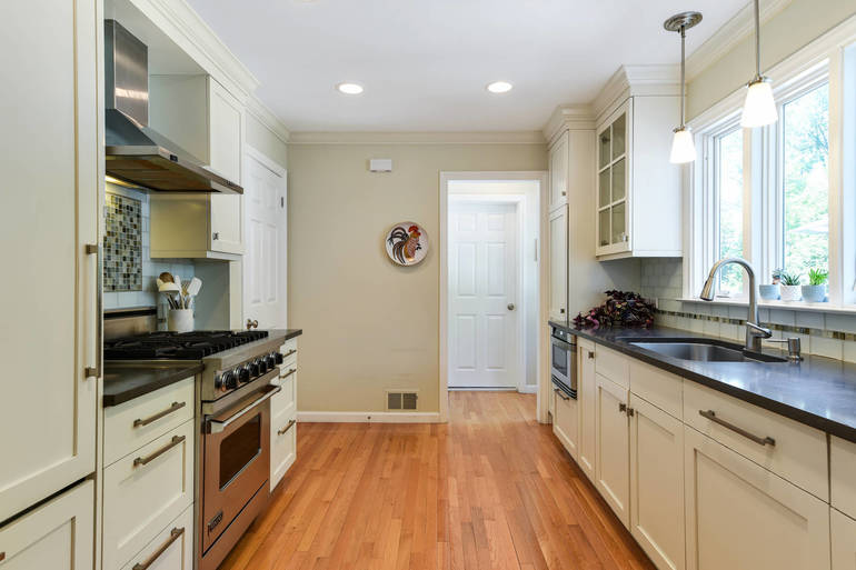 10 Overhill Road, New Providence, NJ: $799,000