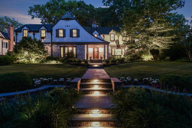 24 Greenbriar Drive, Summit, NJ:$3,195,000
