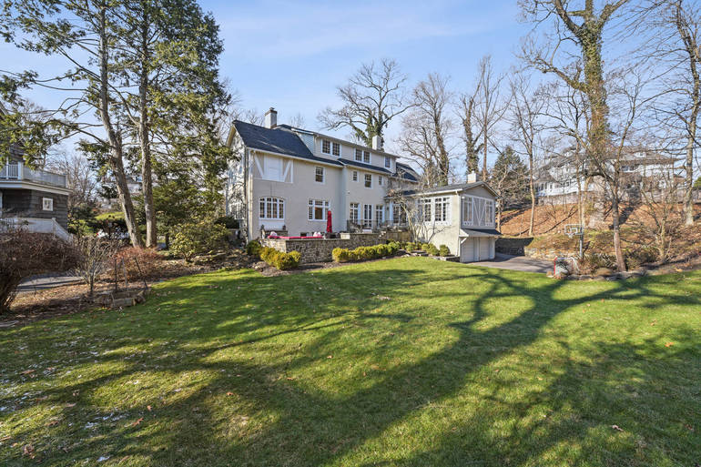 23 Fernwood Road, Summit, NJ: $2,800,000