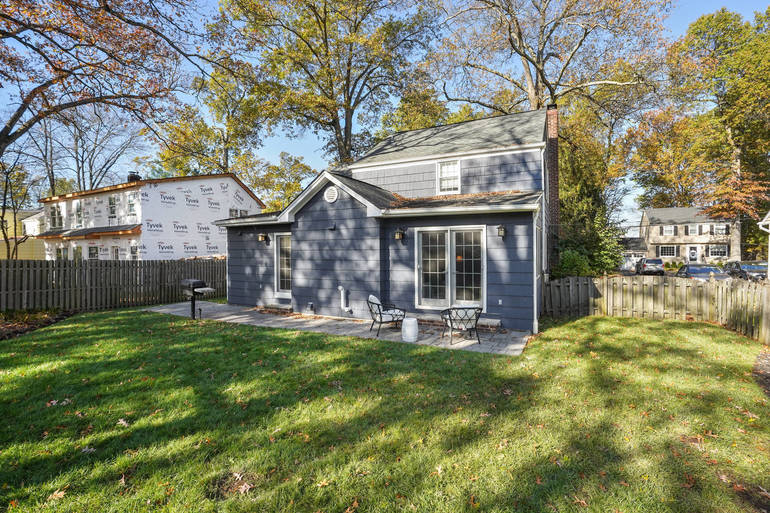 16 Lowell Avenue, Summit, NJ: $775,000