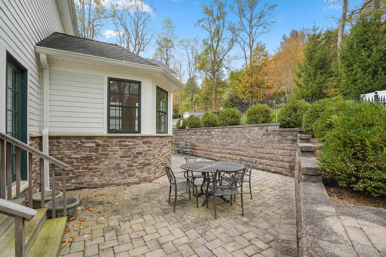6 Valley View Road, Chatham Twp., NJ$1,725,000