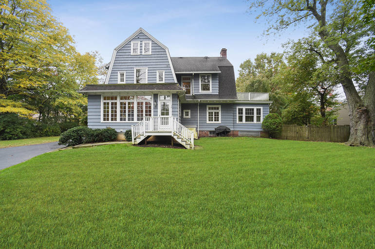 83 Maple Street, Summit, NJ: $1,080,000