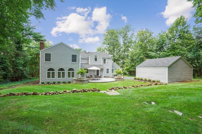 33 Bedford Road, Summit, NJ: $1,545,000