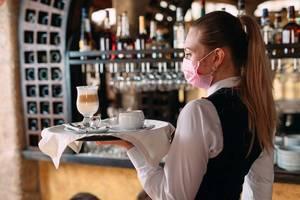 Waitress, Mask
