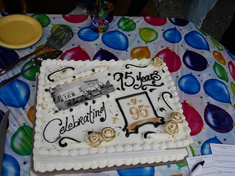 Woolley 95th cake.JPG