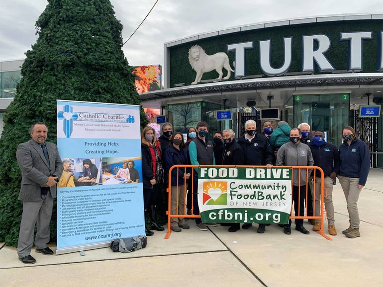Essex County Turtle Back Zoo Charity Drive Runs Through December; Zoo Remains Open 5 Hours a Day